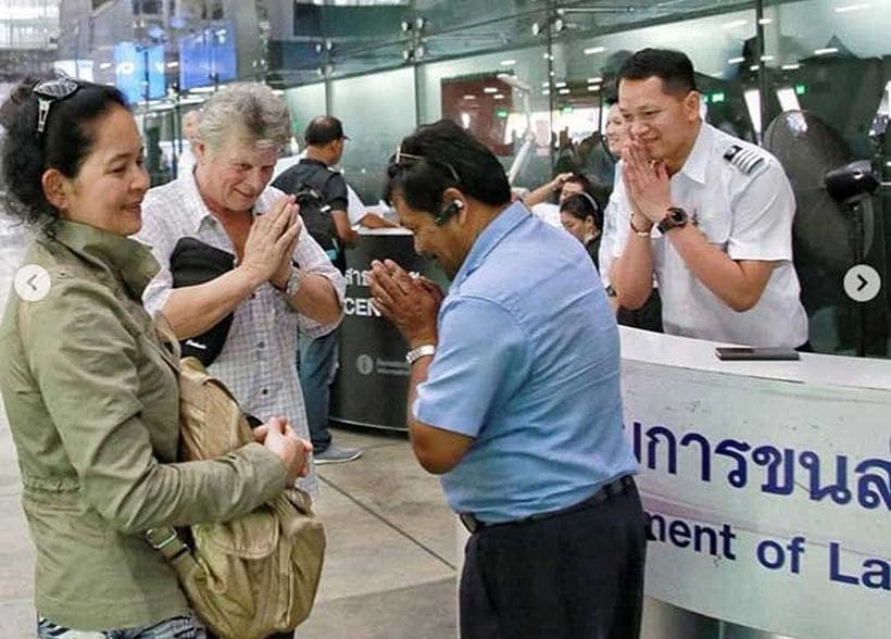 BKK taxi driver returns 400,000 baht to Danish tourist | News by The Thaiger