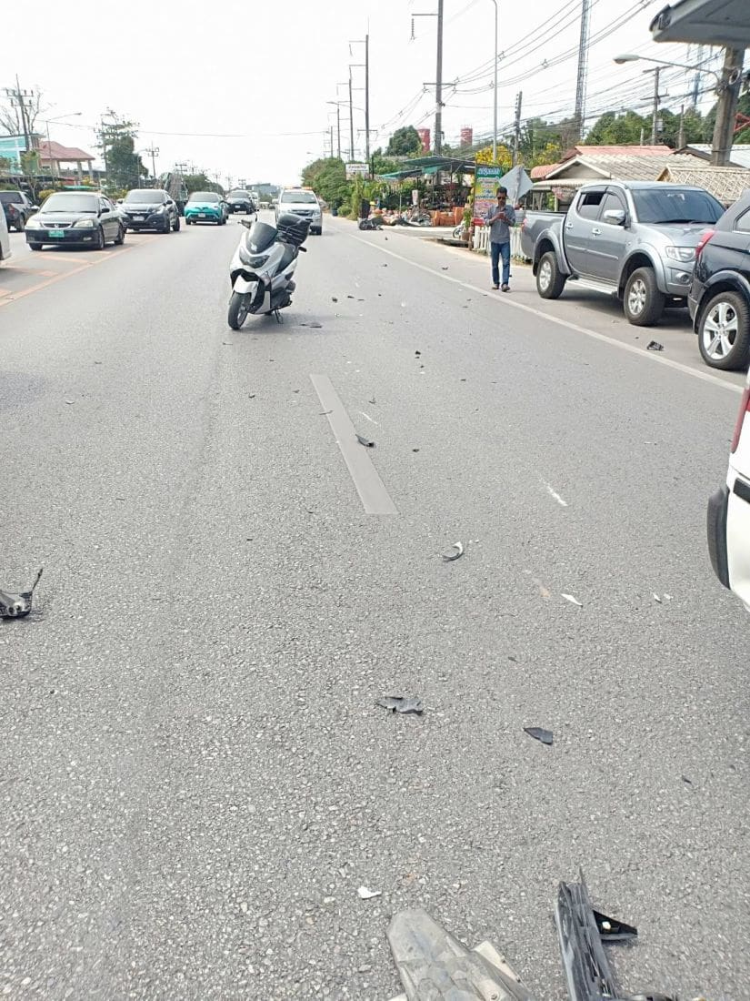 Motorbike driver dies, another person injured after car driver slams into them | News by The Thaiger