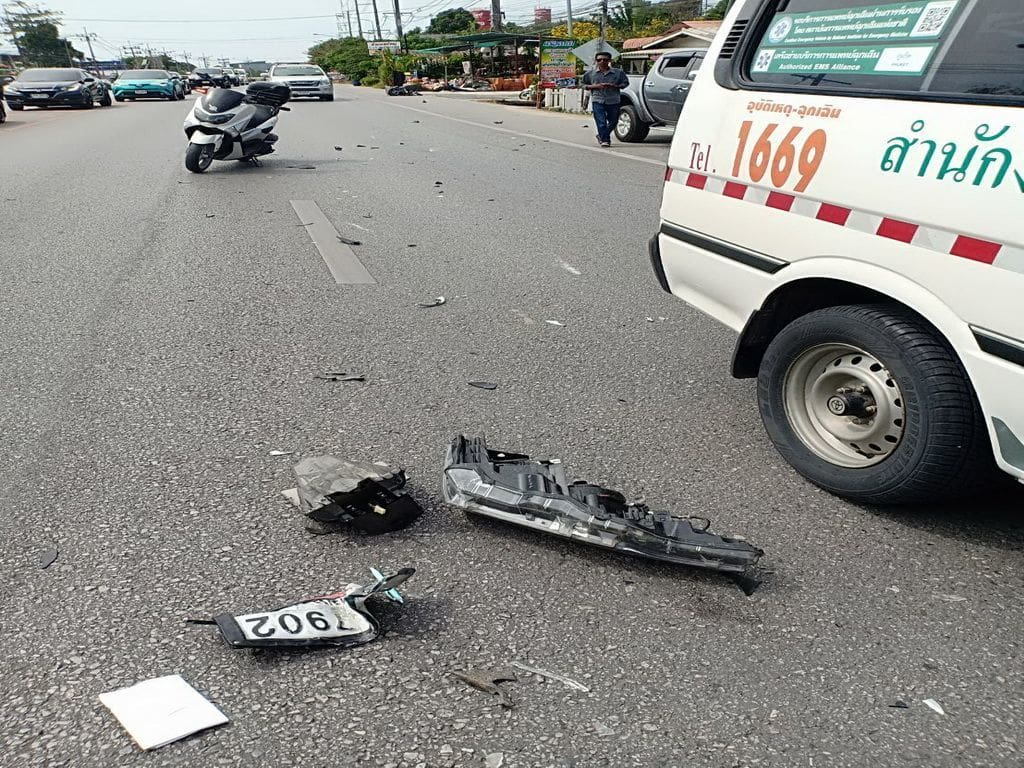 Motorbike driver dies, another person injured after car driver slams into them | The Thaiger