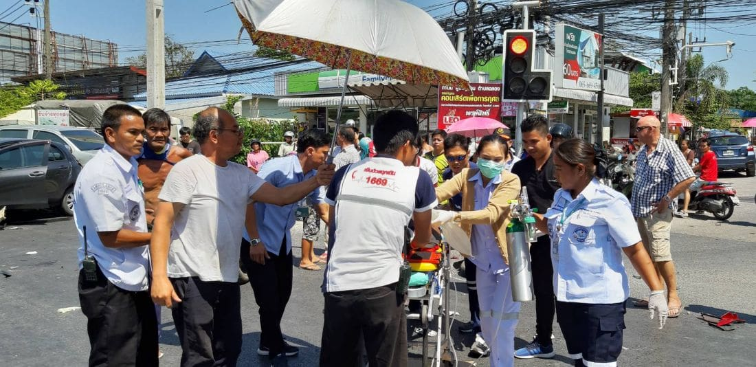 Drunk pickup driver kills one, injures two others in Chalong | News by Thaiger