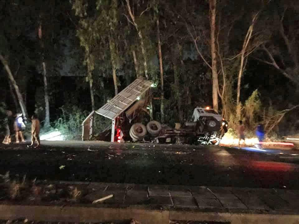 Truck crash in Rawai pulls down power lines causing six hour blackout | The Thaiger