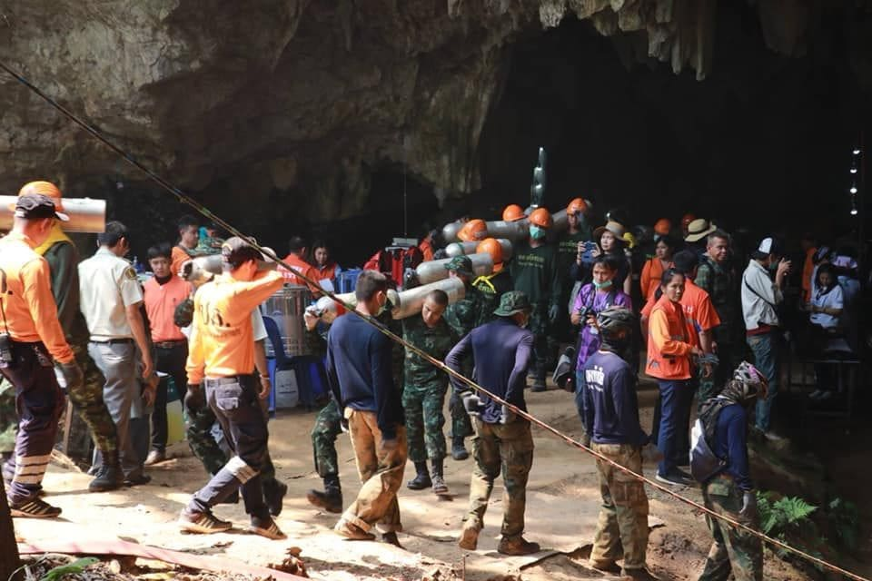 Mu Pa football team helps recover equipment from Tham Luang Caves | News by The Thaiger