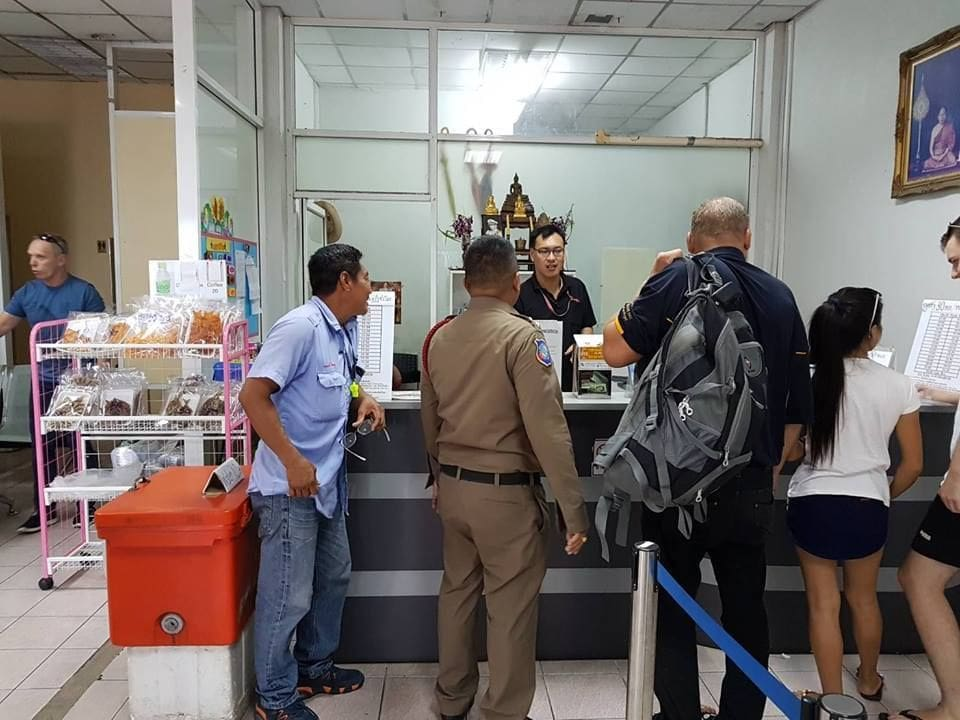 Pattaya officials help a Finnish tourist sort out a lost passport and luggage | News by The Thaiger