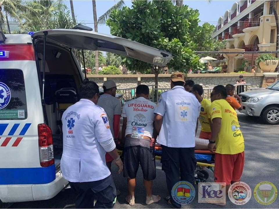 Indian tourist rescued from a near-drowning at Patong Beach | News by The Thaiger