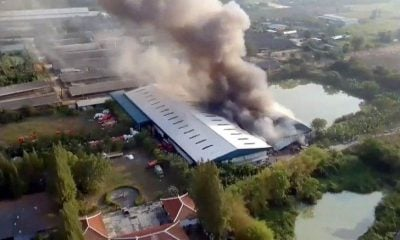 Fire engulfs textile factory in Chon Buri | The Thaiger
