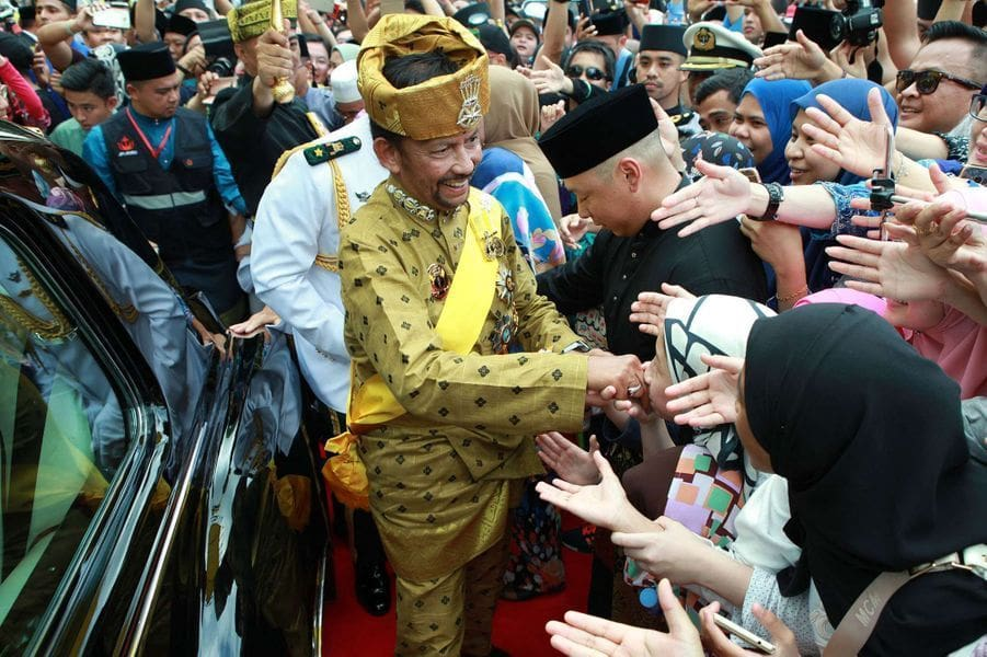 Brunei to punish adultery with death by stoning