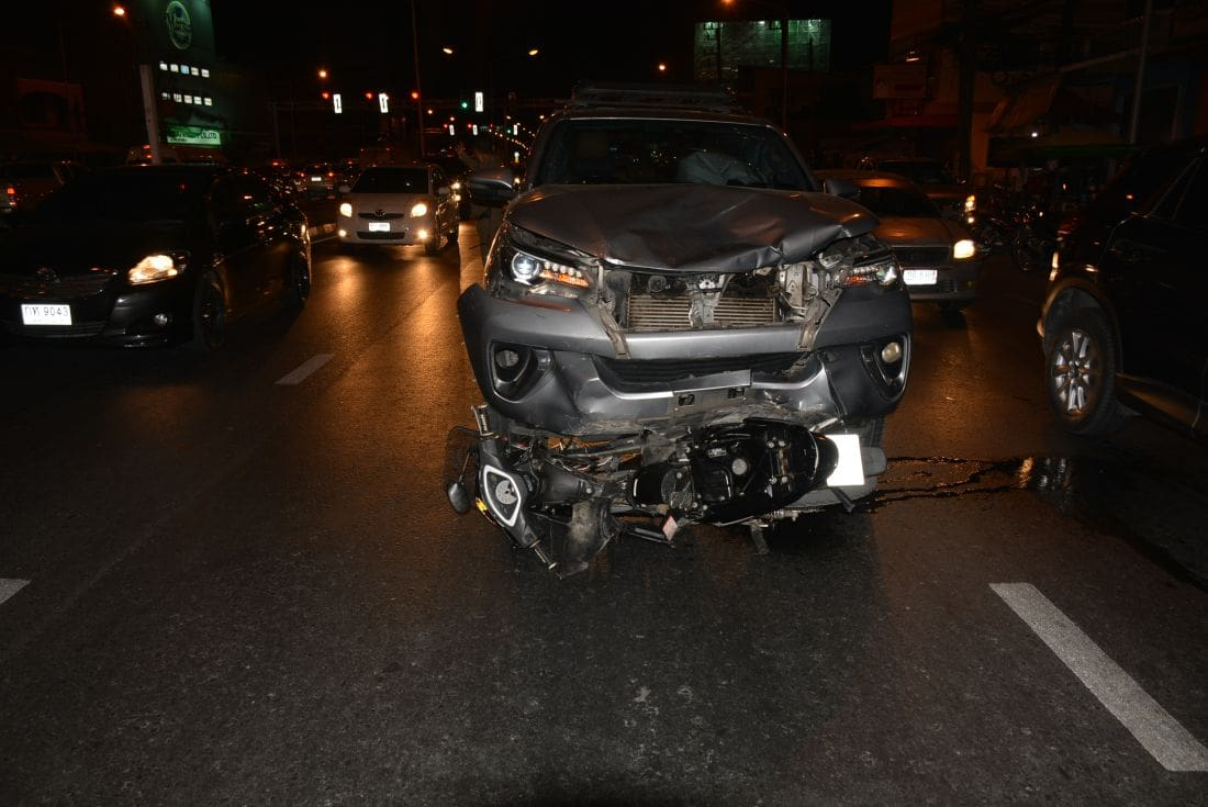 Motorbike driver killed after SUV runs red light in Koh Kaew, Phuket | News by The Thaiger