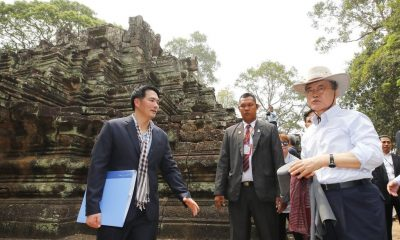 Just one of the tourists – South Korean President visits Angkor Wat | Thaiger