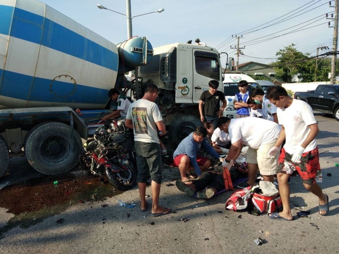 Big Bike driver dies after slamming into cement truck in Thalang | News by The Thaiger