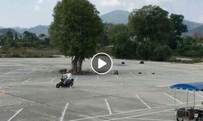 หนุ่มโพสต์คลิปฝรั่งซ้อมขับมอเตอร์ไซค์ ชาวเน็ตเห็นด้วย ช่วยเพิ่มทักษะ ผู้ให้เช่ารถควรจัดบ้าง | The Thaiger