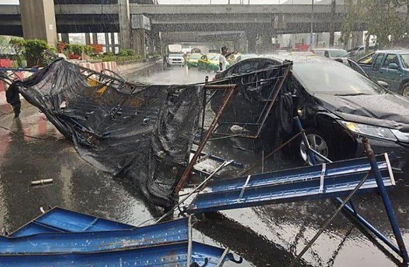 Summer storm cell hits Bangkok | The Thaiger