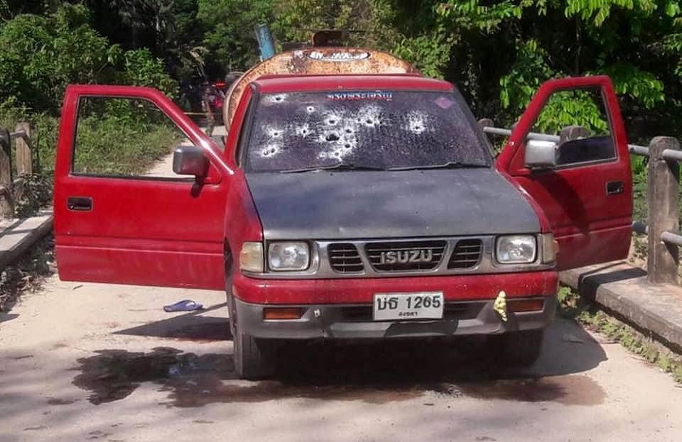 Two killed in Songkhla after their pick-up is sprayed with bullets | The Thaiger