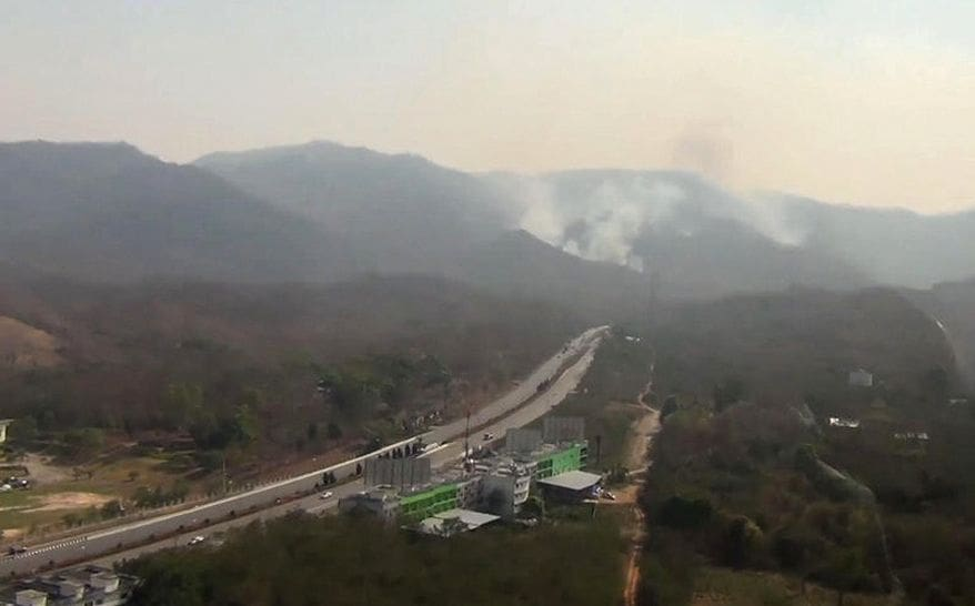 Where there's fire, there's smoke - Lampang mountains | News by Thaiger