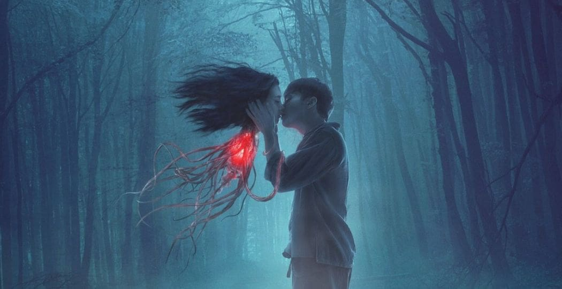 "[Movie Review] ""แสงกระสือ"" หนังรักแฟนตาซีที่ทะเยอทะยานที่สุดในจักรวาลผี | The Thaiger"