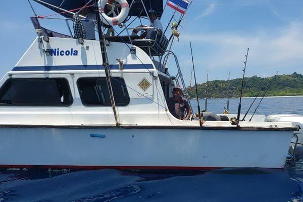 จับเรือตกปลาจากภูเก็ต ลักลอบเข้าตกปลาในเขตอุทยานแห่งชาติหมู่เกาะสิมิลัน | The Thaiger