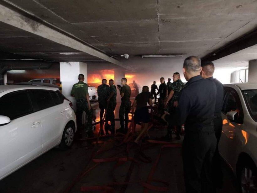 ไฟไหม้ลานจอดรถ บก.กองทัพบก เพลิงเผาวอด 5 คัน   News by The Thaiger