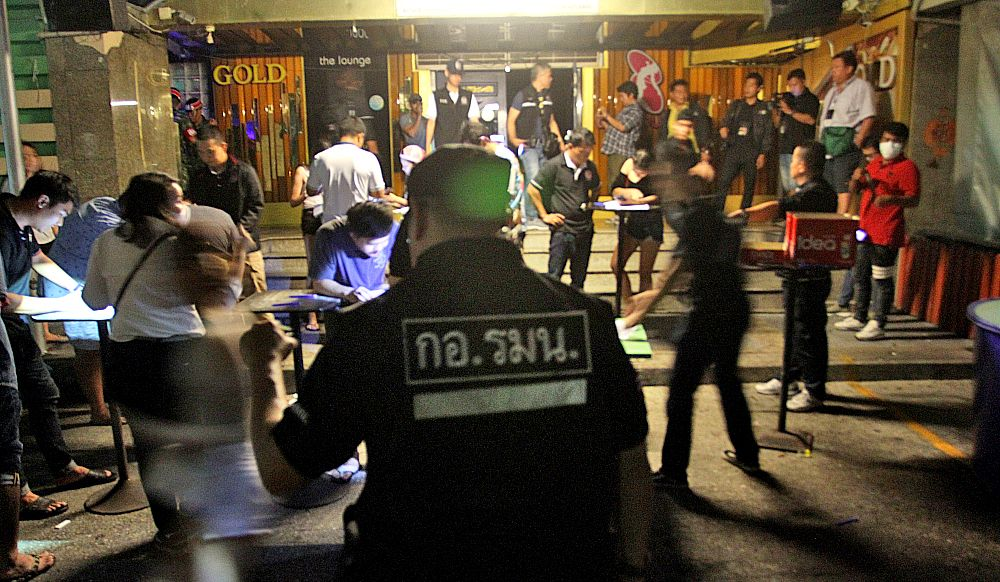 Thon Buri pub raid, 38 patrons test positive for drugs | The Thaiger
