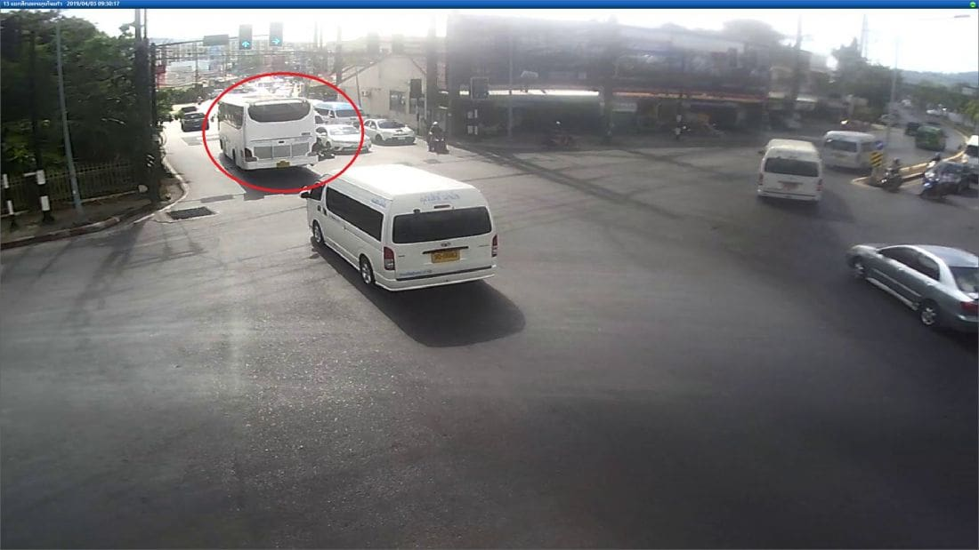 Motorbike passenger dies after being crushed by bus in Kathu - VIDEO | News by Thaiger