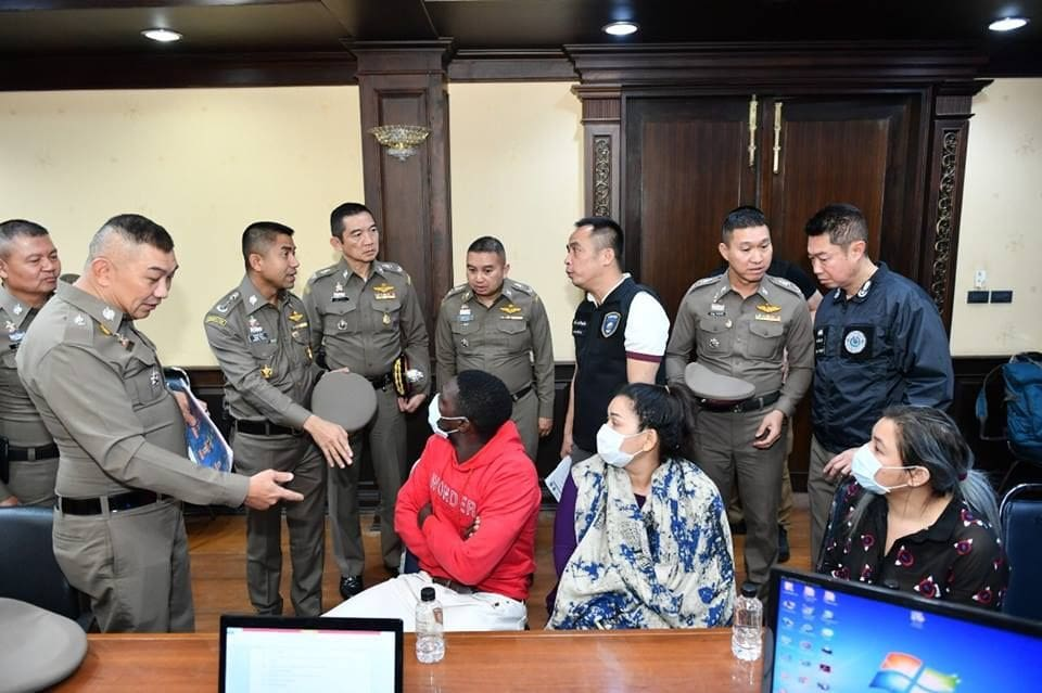 Cameroon man and three Thais arrested over fake email money scam in Chiang Mai | The Thaiger