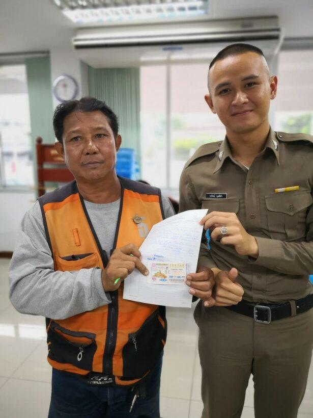 หนุ่มใหญ่วินมอเตอร์ไซค์ดวงเฮง ถูกรางวัลที่ 1 รับเละ 30 ล้าน | News by The Thaiger