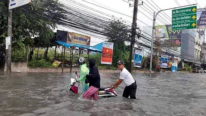 Pattaya hit by sudden topical deluge | The Thaiger