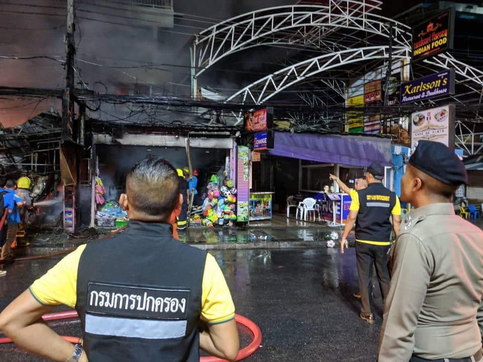 Patong transformer short-out escalates into massive shop fire - VIDEO | News by Thaiger