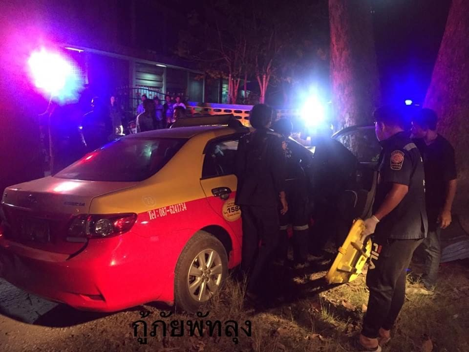 Phuket taxi slams into tree in Phattalung | News by The Thaiger
