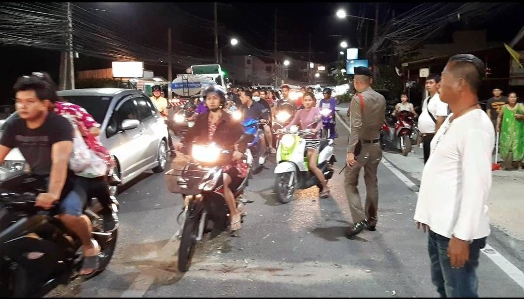 Three people injured, two chickens die in Chalong crash | News by Thaiger