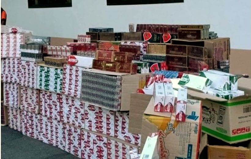 Pattani smuggler arrested with over 10,000 packets of illegal cigarettes | The Thaiger