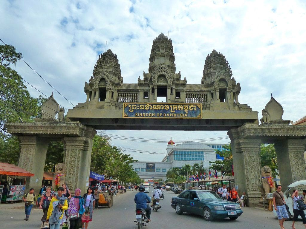Thai businesswoman loses 71,000 baht in Cambodian scam | The Thaiger