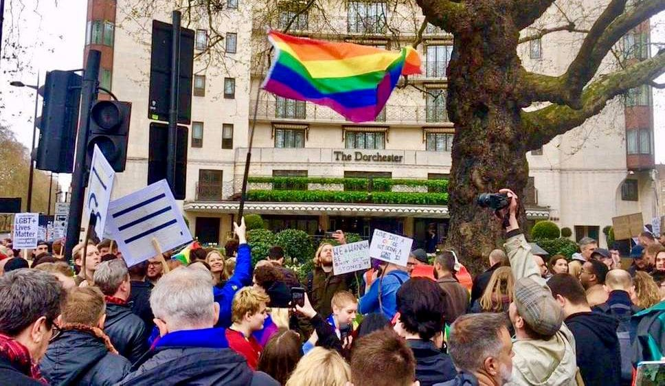 Protest at London's Dorchester Hotel as international protests against Brunei ramp up | The Thaiger