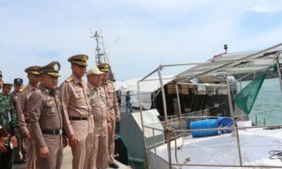ทัพเรือภาคที่ 3 แถลงความสำเร็จย้ายบ้านลอยน้ำเข้าฝั่ง เตรียมขอหมายจับ | The Thaiger