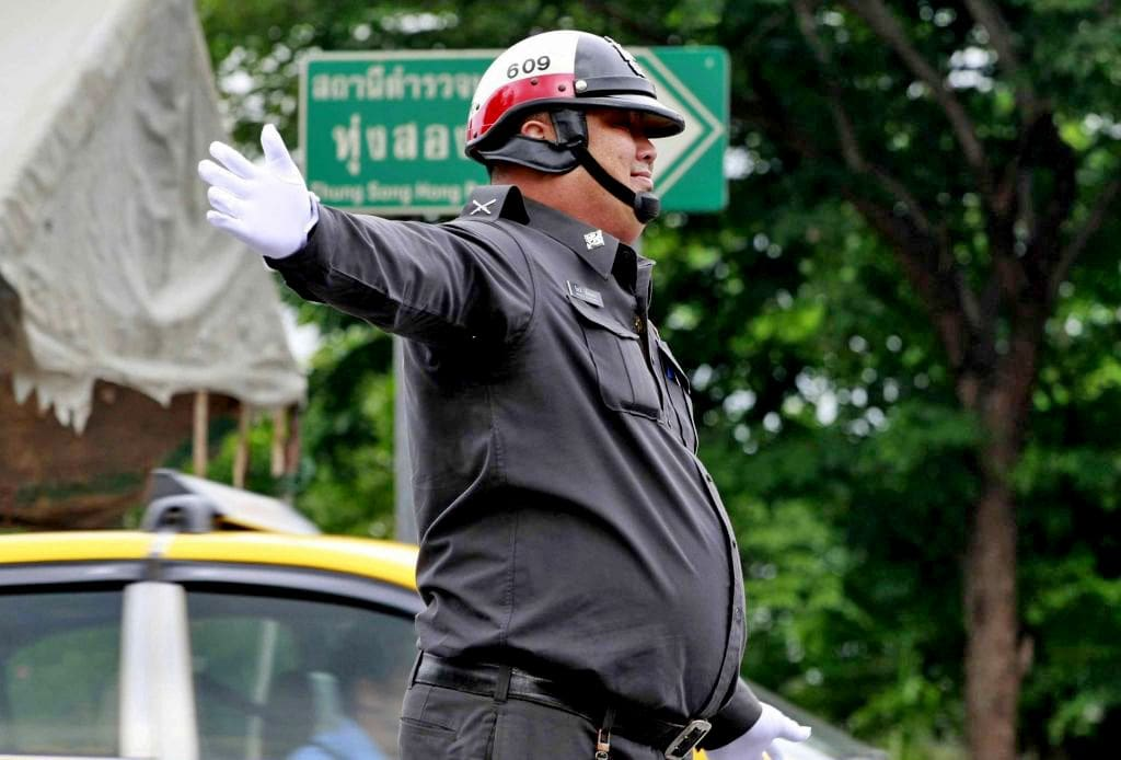 Bangkok traffic police sidelined because they don't know the road rules | The Thaiger