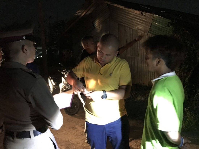 หนุ่มเมียนมาร์ตั้งวงเหล้าในแคมป์คนงานก่อสร้าง ก่อนถูกแทงดับ เพื่อนร่วงวงปฏิเสธฆ่า ตร.เร่งหาตัวผู้ก่อเหตุ | News by The Thaiger