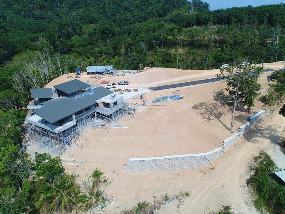 Mystery luxury house found under construction overlooking Bang Wad Dam in Kathu | The Thaiger