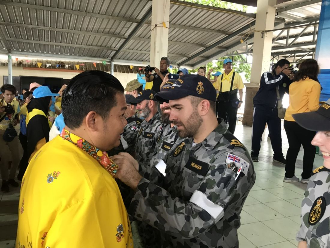Australian Navy and Phuket Consulate join in 'Big Cleaning Day' | News by Thaiger