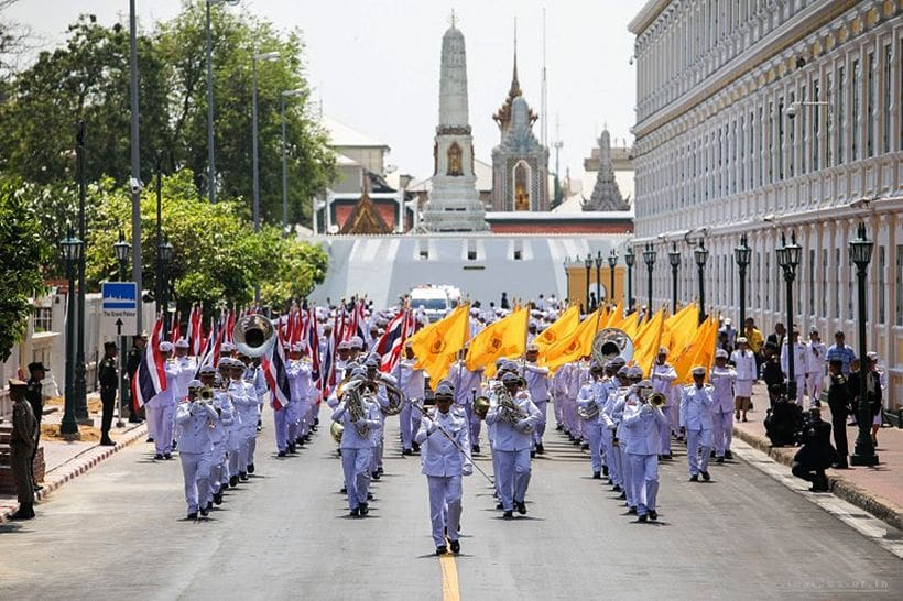 Sacred water drawing ceremony led by Bangkok Governor   The Thaiger