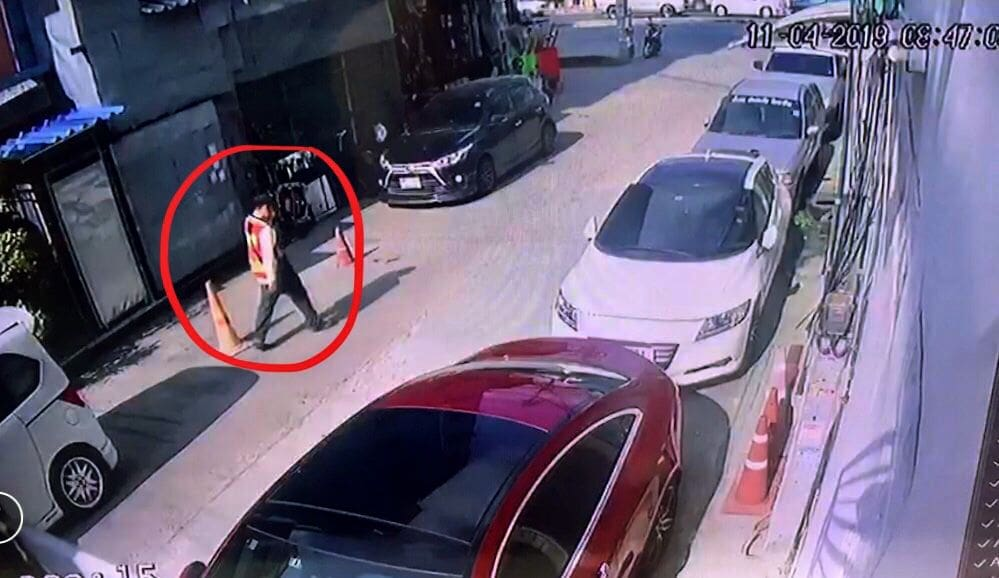 Suspect on the run after killing pregnant Bangkok woman   The Thaiger