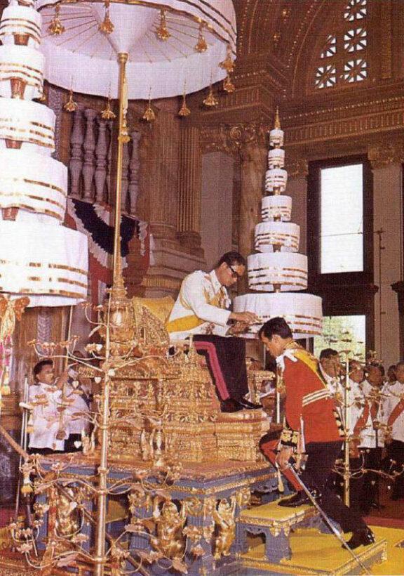 The Coronation of His Majesty King Maha Vajiralongkorn | News by Thaiger