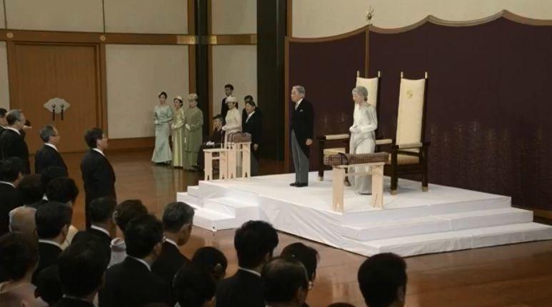 ชมถ่ายทอดสด พระราชพิธีสละราชสมบัติ สมเด็จพระจักรพรรดิอากิฮิโตะแห่งญี่ปุ่น | The Thaiger