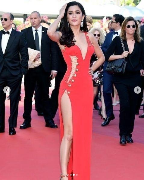 """""""ปู ไปรยา"""" สุดเซ็กซี่ในลุคสาว """"Versace"""" บนพรมแดงเมืองคานส์ (Cannes 2019)   News by The Thaiger"""