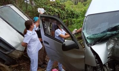Drivers injured as minivan collides with pickup in Krabi | The Thaiger