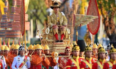 ทั่วโลกประมวลภาพ พระบาทสมเด็จพระเจ้าอยู่หัว เสด็จฯ เลียบพระนคร | The Thaiger
