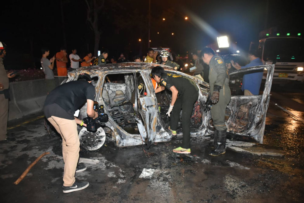 Three die after car bursts into flames in Bangkok | The Thaiger