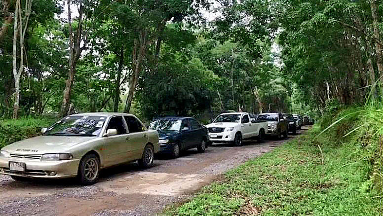 15 car convoy arrested in Songkhla for petrol smuggling | News by The Thaiger