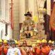 ภาพพระบาทสมเด็จพระเจ้าอยู่หัว เสด็จฯ ประทับขบวนพระบรมราชอิสริยยศ | The Thaiger