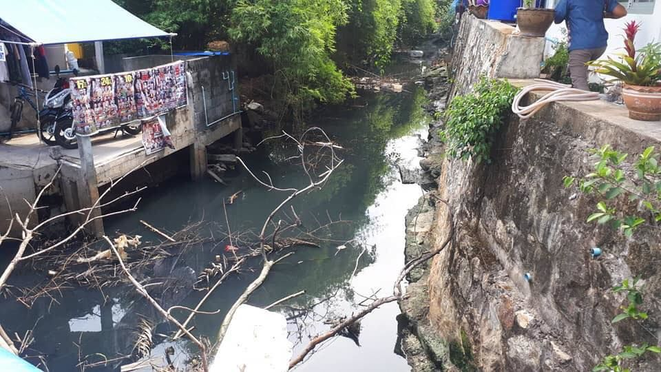 Deja vu: Dirty, smelly, blackwater flows into the Andaman Sea, again | The Thaiger