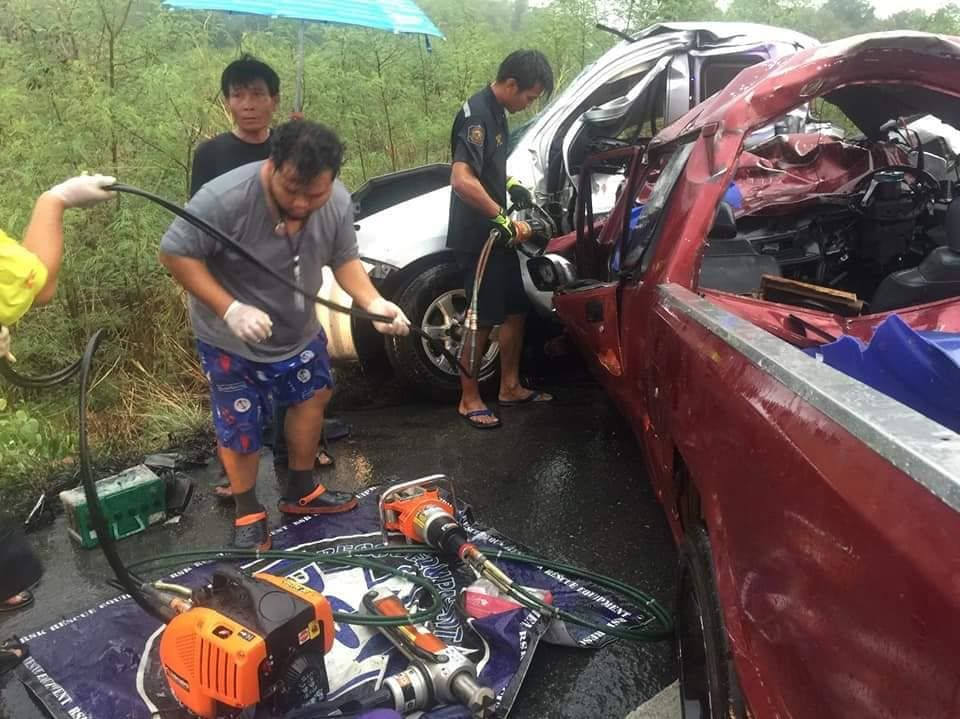 Two dead, two injured from collision in Suphan Buri | News by Thaiger
