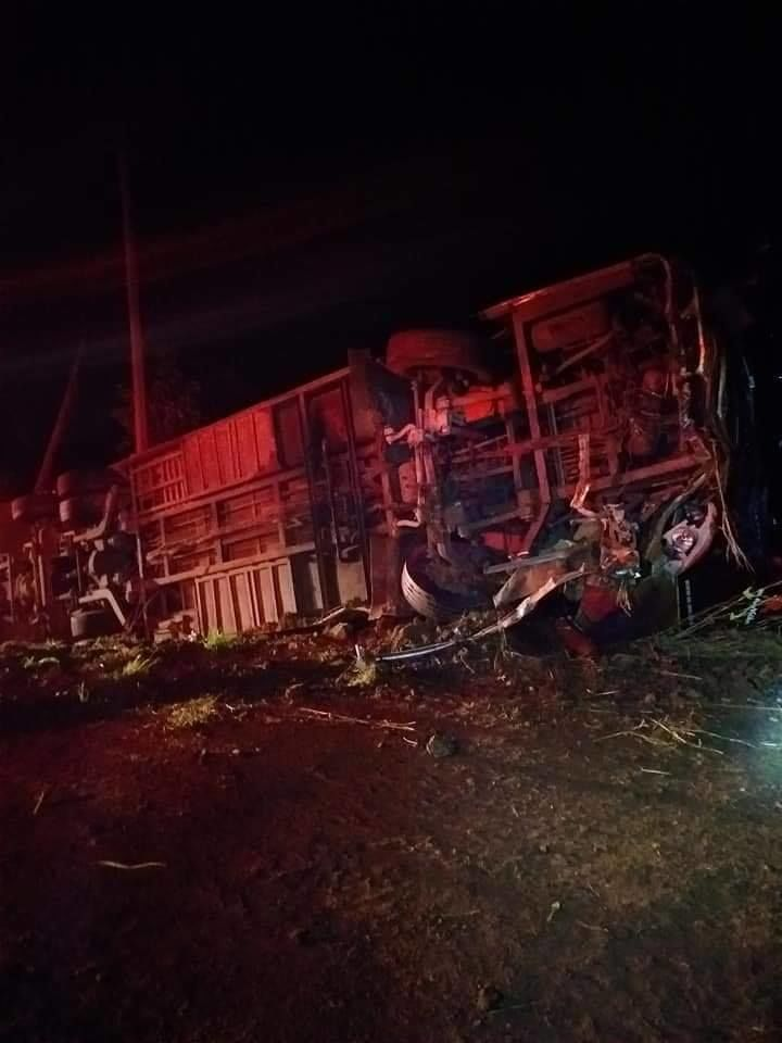 21 injured in Nakhon Sawan bus accident   News by Thaiger
