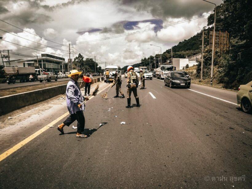 จราจรภูเก็ต โพสต์ขอบคุณชาวบ้านเร่งช่วยเก็บตะปูที่ตกเกลื่อนถนน ก่อนมีใครมาเหยียบ | News by The Thaiger
